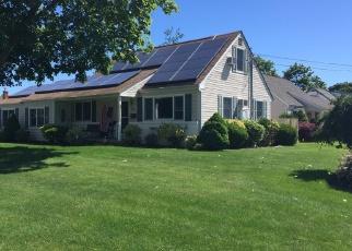 Foreclosed Home en PARLIAMENT PL, North Babylon, NY - 11703