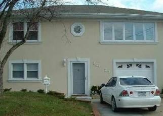 Foreclosed Home en 99TH ST, Howard Beach, NY - 11414