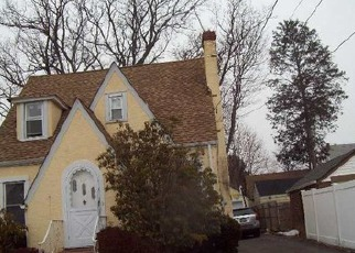 Foreclosed Home in CROWELL ST, Hempstead, NY - 11550