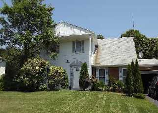 Foreclosed Home en RUDYS LN, Coram, NY - 11727
