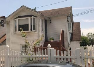 Foreclosed Home en BROOK CT, Baldwin, NY - 11510