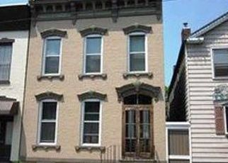 Foreclosed Home en 2ND ST, Troy, NY - 12180