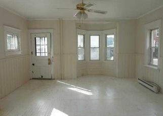 Foreclosed Home en 3RD ST, Waterford, NY - 12188