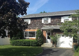 Foreclosed Home en GRENVILLE AVE, Patchogue, NY - 11772