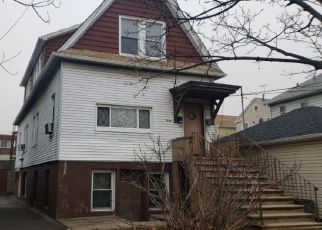 Foreclosed Home en HONE AVE, Bronx, NY - 10461