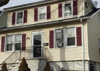 Foreclosed Home en HUBER PL, Yonkers, NY - 10704