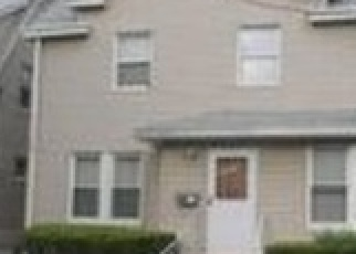 Foreclosed Home en 220TH ST, Queens Village, NY - 11428
