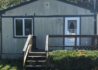 Foreclosed Home en LAKE DR, Patchogue, NY - 11772