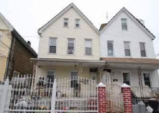 Foreclosed Home en 102ND ST, Corona, NY - 11368
