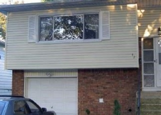 Foreclosed Home en SUTTON ST, Hempstead, NY - 11550