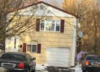 Casa en ejecución hipotecaria in Islip, NY, 11751,  ISLIP AVE ID: P1240736