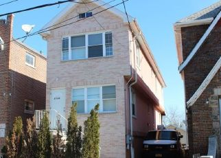 Foreclosed Home en YATES AVE, Bronx, NY - 10469