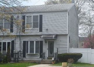 Foreclosed Home in E 3RD AVE, Bay Shore, NY - 11706