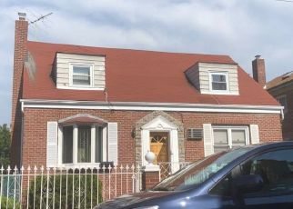 Foreclosed Home en MICKLE AVE, Bronx, NY - 10469