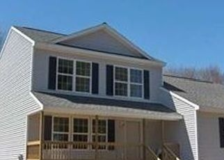 Foreclosed Home en HARRIS ST, Queensbury, NY - 12804