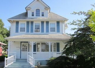 Foreclosed Home en CATHERINE ST, Valley Stream, NY - 11581