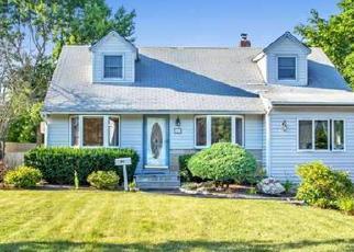 Casa en ejecución hipotecaria in Bay Shore, NY, 11706,  KRAUSE ST ID: P1242200