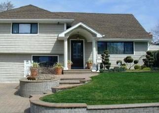 Foreclosed Home en VIRGINIA AVE, Oceanside, NY - 11572