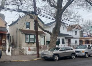 Foreclosed Home en 43RD AVE, Corona, NY - 11368