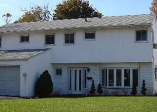 Foreclosed Home in VERITY LN, Baldwin, NY - 11510