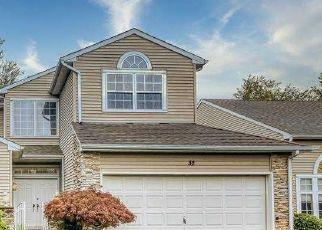 Foreclosed Home en HAMLET DR, Hauppauge, NY - 11788