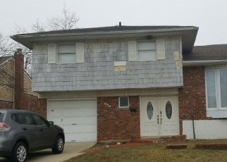 Foreclosed Home in DERBY AVE, Woodmere, NY - 11598