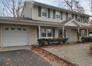 Foreclosed Home en ANDOVER DR, Port Jefferson Station, NY - 11776
