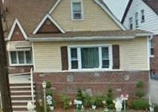Casa en ejecución hipotecaria in Springfield Gardens, NY, 11413,  230TH PL ID: P1243350
