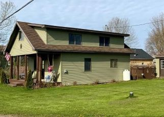 Foreclosed Home en MILL ST, Chaumont, NY - 13622