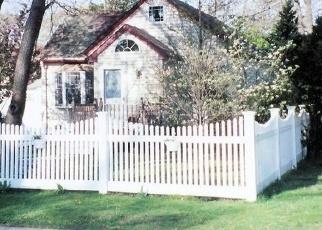 Foreclosed Home en JENKINS AVE, North Babylon, NY - 11703