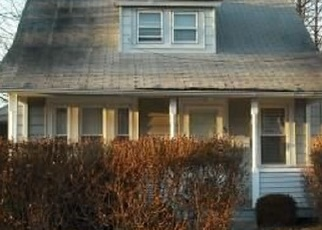 Foreclosed Home en SILVER ST, Patchogue, NY - 11772