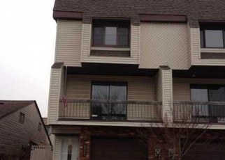 Foreclosed Home en RUSSEK DR, Staten Island, NY - 10312