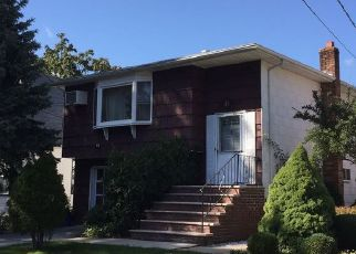 Foreclosed Home in STOWE AVE, Baldwin, NY - 11510