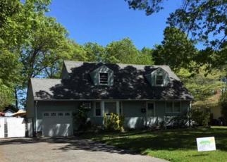 Foreclosed Home en NICOLLS RD, Deer Park, NY - 11729