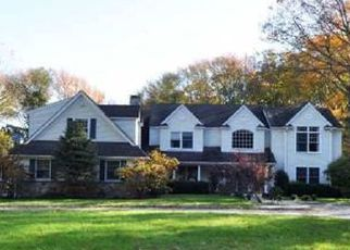 Foreclosed Home in SNAKE HILL RD, Cold Spring Harbor, NY - 11724