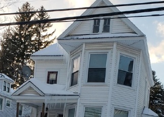 Foreclosed Home en N PERRY ST, Johnstown, NY - 12095