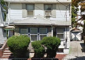Foreclosed Home en 122ND AVE, Springfield Gardens, NY - 11413