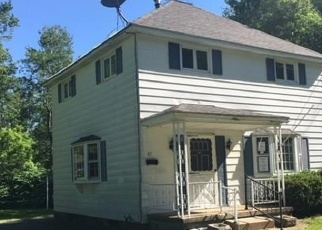 Foreclosed Home en NEWMAN ST, Gloversville, NY - 12078