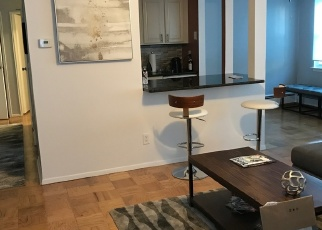 Foreclosed Home en TOWNE HOUSE VLG, Islandia, NY - 11749