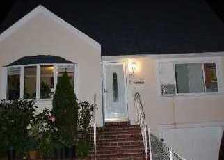 Casa en ejecución hipotecaria in Freeport, NY, 11520,  SAINT MARKS AVE ID: P1245022