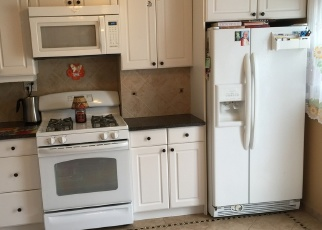 Foreclosed Home en 79TH ST, Middle Village, NY - 11379