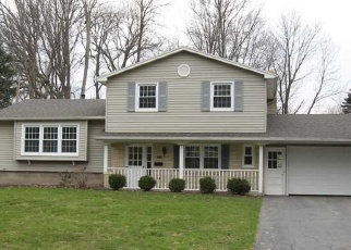 Foreclosed Home en BLACK WALNUT DR, Rochester, NY - 14615