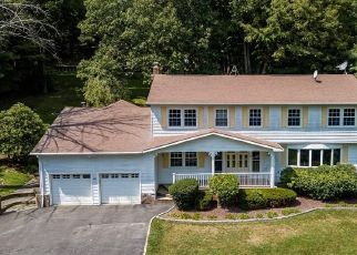 Foreclosed Home en RODCRIS DR, Mahopac, NY - 10541