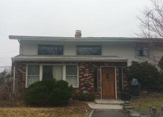 Foreclosed Home en SNOWBERRY LN, Islandia, NY - 11749