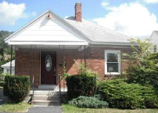 Foreclosed Home en CENTERVIEW DR, Troy, NY - 12180