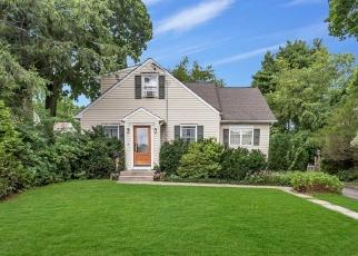 Casa en ejecución hipotecaria in Greenlawn, NY, 11740,  SMITH ST ID: P1245825