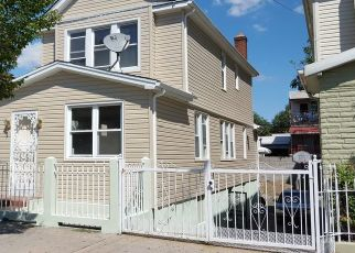 Foreclosed Home en SAINT LAWRENCE AVE, Bronx, NY - 10472