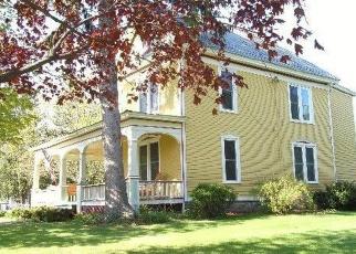 Foreclosed Home en CHAMPLAIN AVE, Ticonderoga, NY - 12883