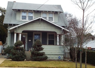Foreclosed Home in SWEEZY AVE, Freeport, NY - 11520