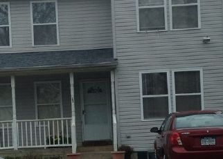 Foreclosed Home en S 22ND ST, Wyandanch, NY - 11798